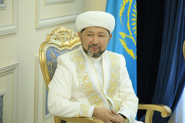 С праздником святой Пасхи православных казахстанцев поздравил Верховный муфтий Республики